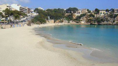Estudian el impacto de los residuos de turistas en tres playas de Mallorca