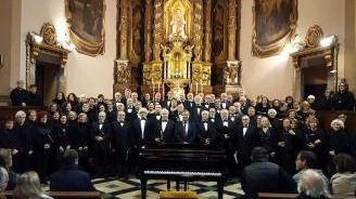 El coro de Son Dameto actúa para ayudar a los niños con fibrosis
