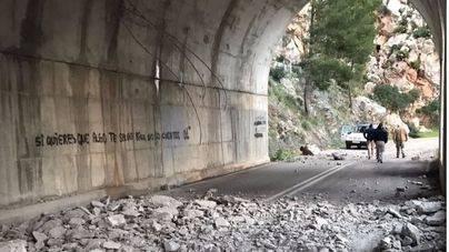 El falso túnel sufrió desprendimientos