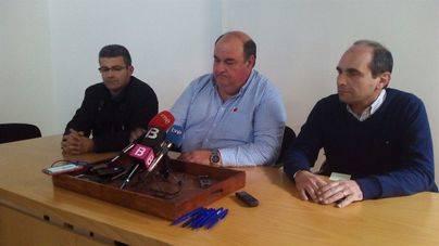 Los taxistas aplazan la firma del acuerdo señalando que recoge líneas de bus que se habían retirado
