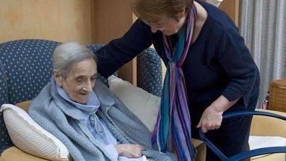 3 de cada 4 personas cuidadoras de dependencia en Balears son mujeres