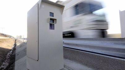 Los radares fijos de Tráfico formularon 65.000 denuncias en Balears en 2016