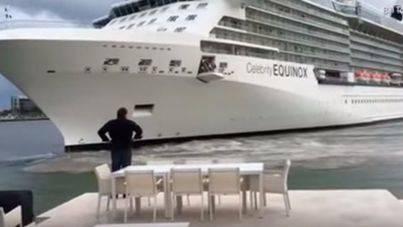 Una pareja graba cómo un crucero está a punto de estrellarse contra su casa