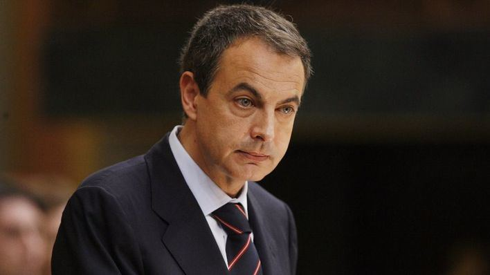Zapatero abandona a Pedro Sánchez y se alinea con Susana Díaz