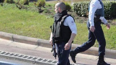 Un joven hiere a 8 personas en un tiroteo en un instituto de Francia