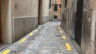 El 83'4% de lectores considera una 'vulgarización' las líneas amarillas anticoches del Casc Antic de Palma