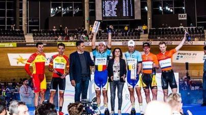 Casi 4.000 personas vibran con el ciclismo en pista en el Palma Arena