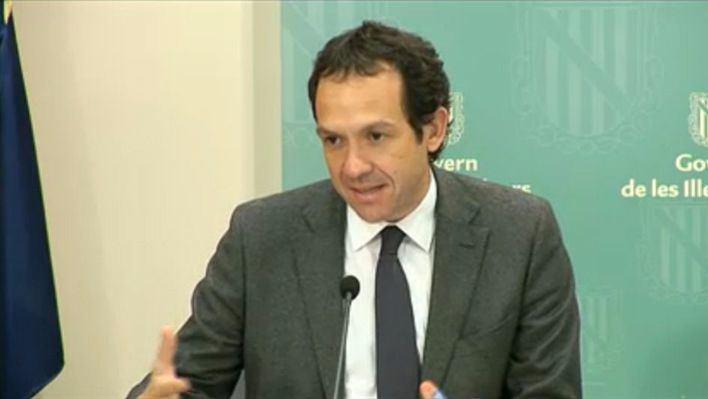 El Govern pide a Fomento que no restrinja los descuentos aéreos para grupos
