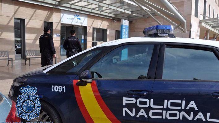 La Policía Nacional enseña a mayores de Manacor a protegerse