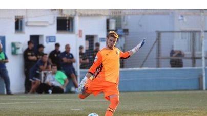 Valens salva al Mallorca B ante el Badalona (0-0)