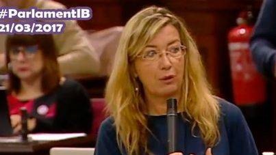 La consellera en el Parlament