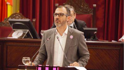El Govern se dirigirá a AENA para frenar la avalancha de turistas en verano