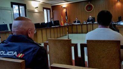 18 años de cárcel para el hombre acusado de abusar de un menor amenazándole con matar a su madre