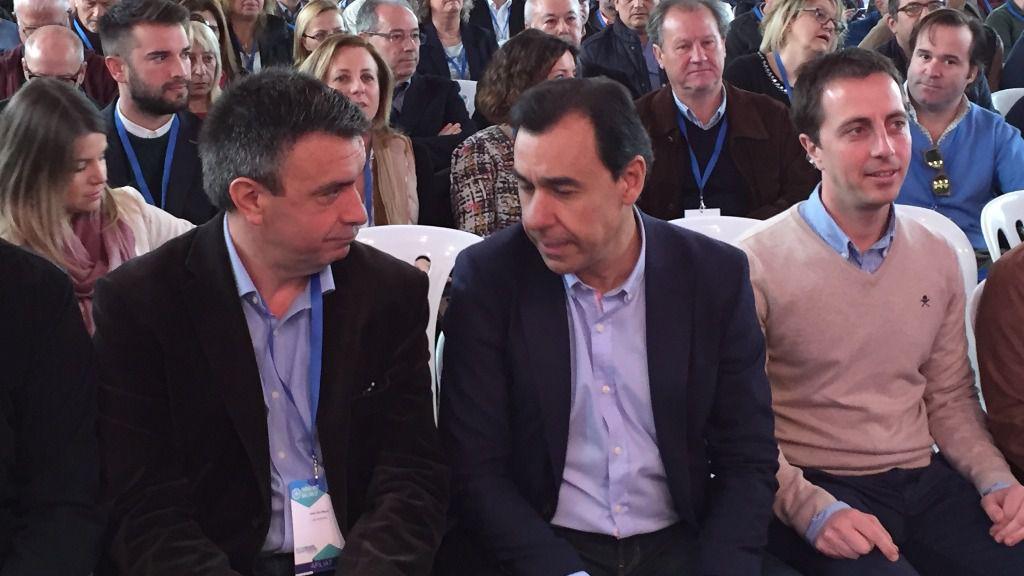 Miquel Vidal recibe el agradecimiento de Martínez-Maíllo por sus casi dos años de presidente