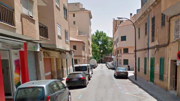 Detenido por una supuesta agresión a su novia en su piso de Pere Garau