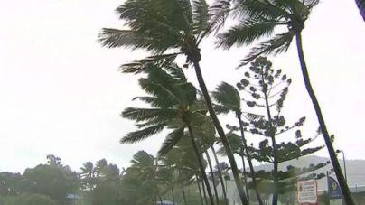 El ciclón Debbie azota la costa australiana