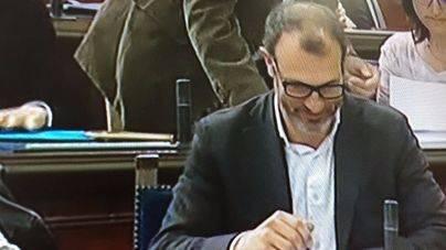 Barceló admite que el contrato al asesor de Més