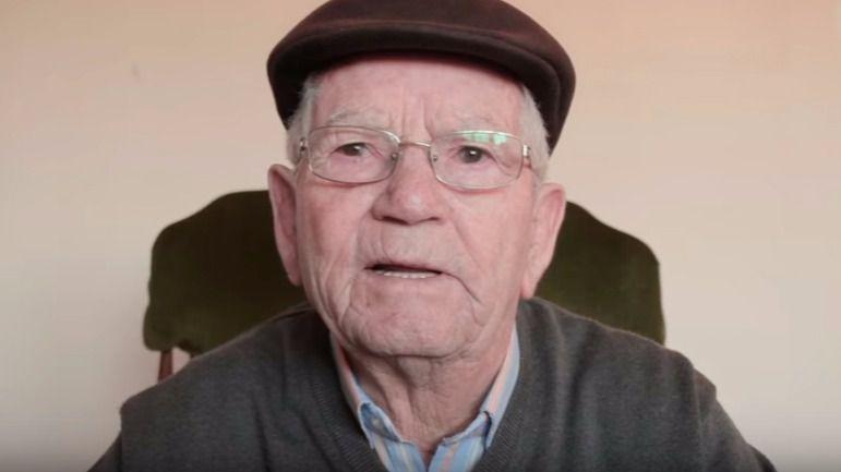 Un anciano emociona con su mensaje a los jóvenes: