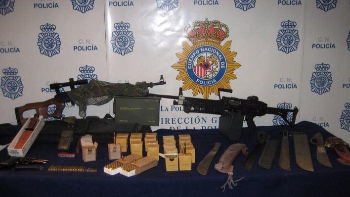 Detenido el encargado de un taller de Son Castelló por tenencia de un arsenal de armas en el local