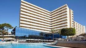 Un fallecido tras caer del décimo piso de un hotel de S'Arenal