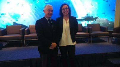 Manuel Butler, director general de Turespaña, junto a Joana Maria Adrover