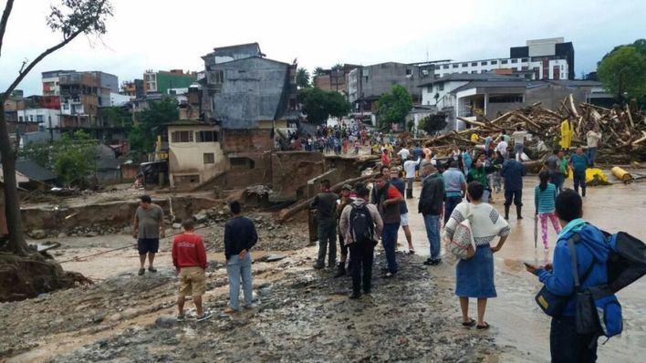 Colombia eleva a 254 los muertos por la avalancha de agua