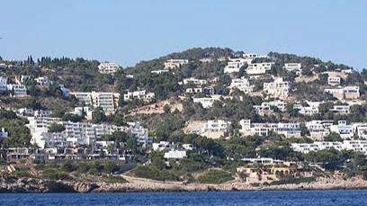 Detenido por alquilar casas en Ibiza que no existían