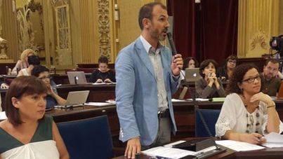 Barceló afirma que los contratos están totalmente justificados y responden a necesidades