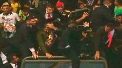 Cinco detenidos por lanzar huevos a Maduro durante un acto militar