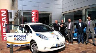 Nissan Nigorra entrega el primer vehículo policial 100% eléctrico de Balears al municipio de Valldemossa