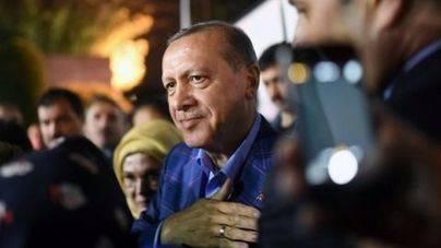 Erdogan gana el referéndum por el que suma más poder