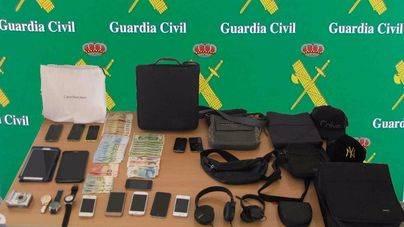 Cae una banda que seleccionaba a turistas mayores en Son Sant Joan para robarles después en su hotel