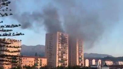 Un muerto en el incendio de un edificio de 15 plantas en Málaga