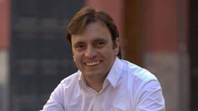 El socialista Francesc Miralles es la diana de las críticas que salen del Observatori