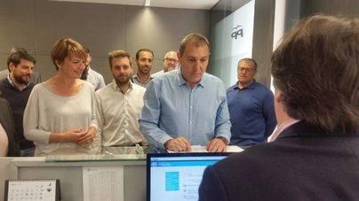 Salom presenta 450 avales para volver a presidir el PP de Mallorca