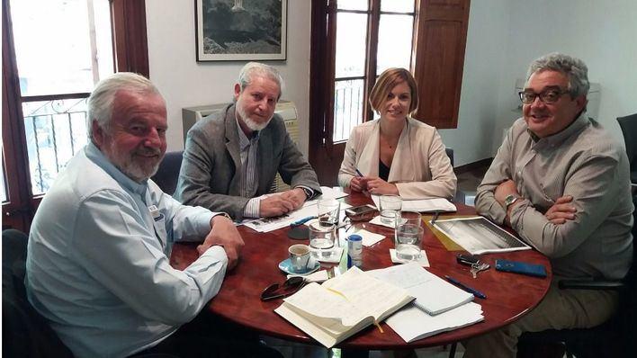 La conselleria explica a los promotores y constructores el estudio de capacidad en el suelo vacante