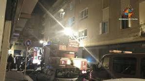 Un incendio en un piso de Son Gotleu obliga a los vecinos a subir a la azotea a pedir auxilio