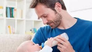 Un 20% más de hombres en Balears se acogen a las prestaciones de paternidad
