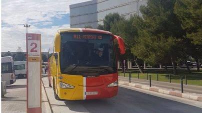 Tímido arranque del servicio de buses turísticos desde Son Sant Joan