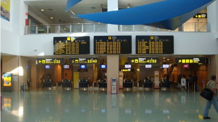 Convocan huelga indefinida de limpieza en el aeropuerto de Eivissa