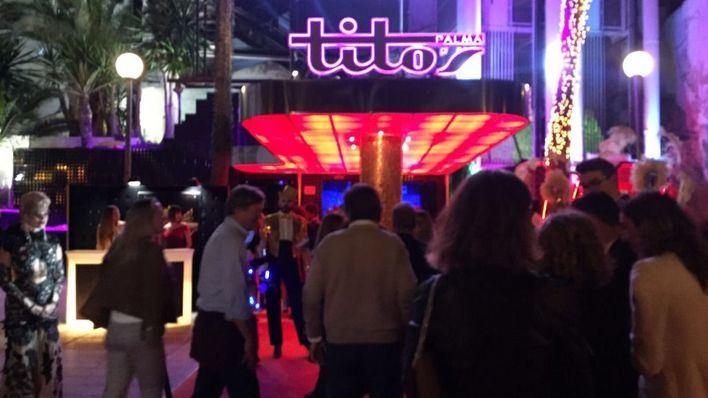 Espectacular reapertura de Tito's en la noche del viernes