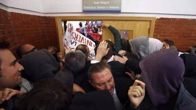 El Parlament rechaza la violencia en actos de libertad de expresión con la oposición de Més y Podem