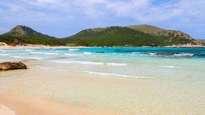 Tres playas de Balears, Cala Agulla, Pregonda y Mitjaneta se sitúan entre las mejores zonas de baño de Europa
