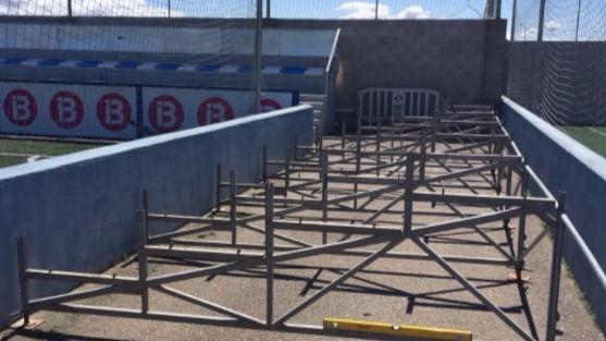 El Atlètic Balears ya instala la grada supletoria