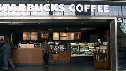 Starbucks abre un nuevo local en la plaza de Cort en Palma