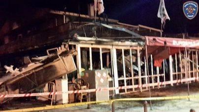 Un incendio destruye un supermercado en Platja de Muro