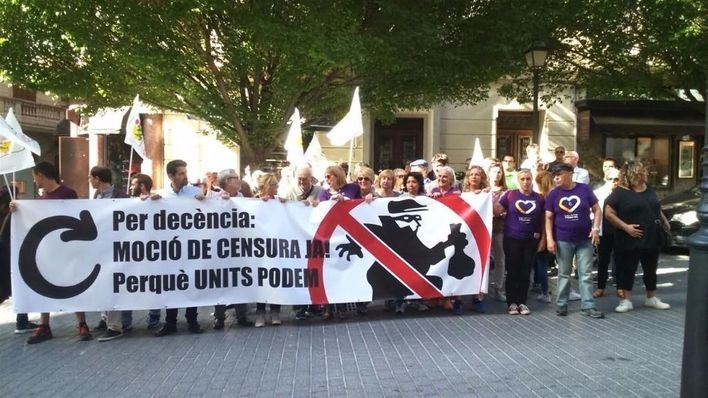 Un centenar de personas en Palma se suma a la concentración contra el Gobierno de Rajoy