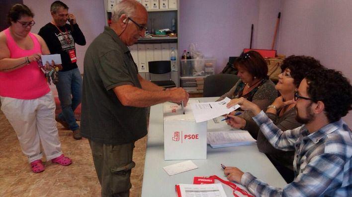 2.600 militantes socialistas de Balears acuden a votar este domingo en las primarias del PSOE