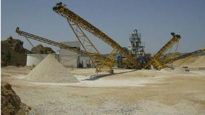 La arena de sílice se utiliza como filtro o para hormigones