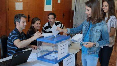 Unos 15.700 miembros de la UIB escogen hoy entre Huguet y Crespí como rector